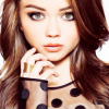 Thumbnail image for Modern Family's Sarah Hyland Flaunting Her Cleavage (Video)