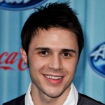 "Kris Allen Is Crowned ""American Idol"""
