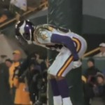 Tennessee Titans Randy Moss' One Clap Video Draws Over 1 Million Views