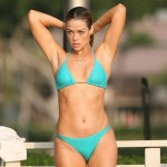 denise-richards-bikini-4