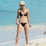 Tiger Woods' Ex Elin Nordegren Sports a Bikini In The Bahamas 4