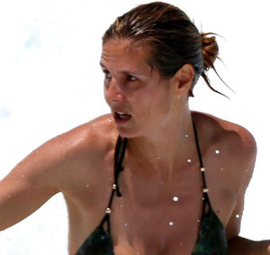 Post image for Heidi Klum's Nipple Slips Out of Her Bikini Top (PICS)