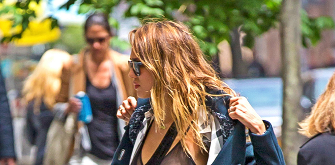 Jessica Alba Does a Strip Show in Downtown New York (PICS)