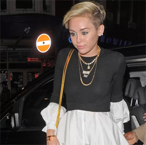 Post image for Miley Cyrus Has a Vagina Slip In Short Shorts (PICS)
