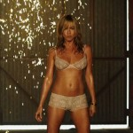 Jennifer Aniston Uncensored Strip Scenes from 'We're The Millers' (Video)