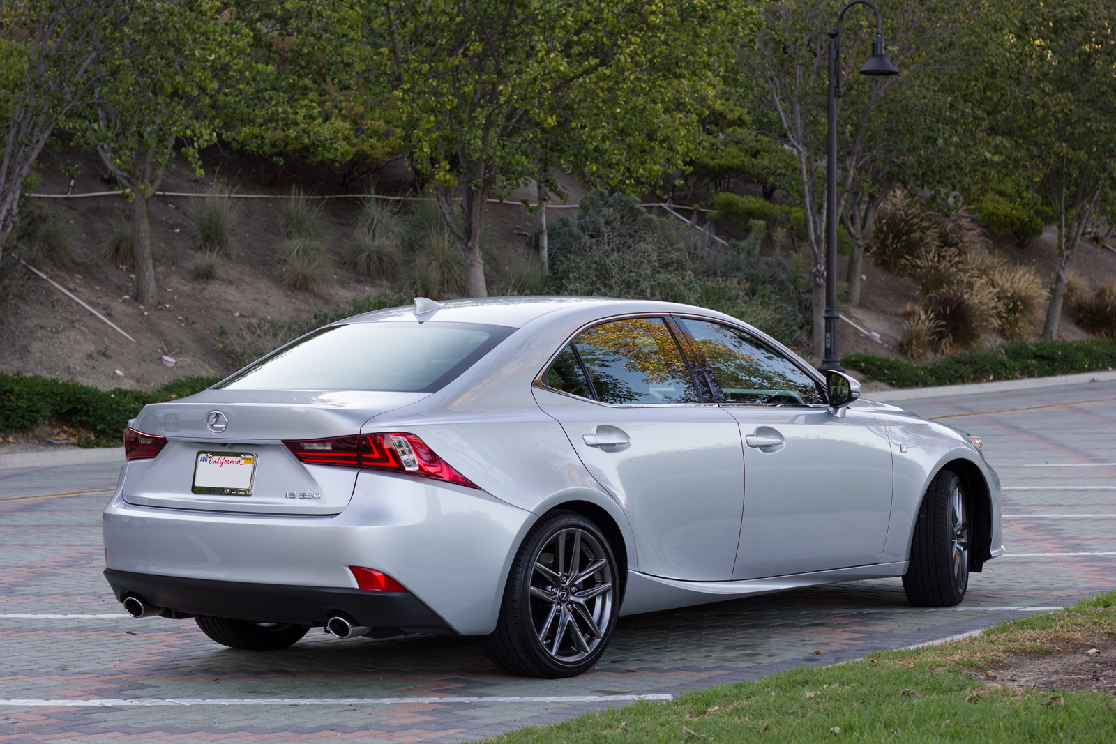 2015 lexus is 350 f sport reviewed video tmr zoo. Black Bedroom Furniture Sets. Home Design Ideas
