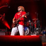 "Review: Sammy Hagar ""Walks the Walk"" with  The Circle – At Your Service"