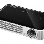 Gadget Review: The Qumi Q6 LED Pocket Projector